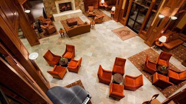 http://timesharegame.com/wp-content/uploads/co-breck-gp7-lobby-628x353.jpg