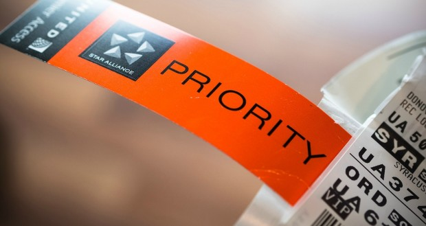Priority luggage tag
