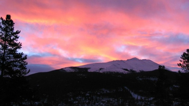 http://timesharegame.com/wp-content/uploads/usa-co-breckenridge-sunrise-628x353.jpg