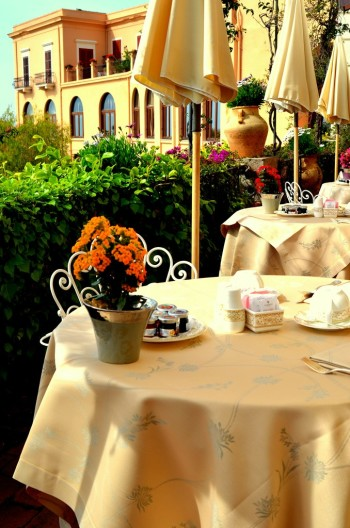 Dining al fresco in Italy