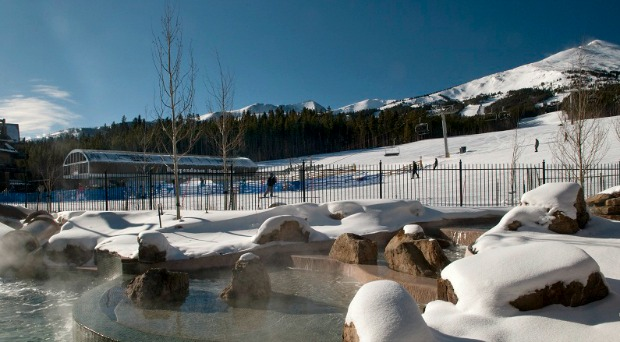 Hot tub steams at Grand Lodge Peak 7